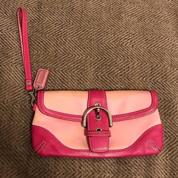 Coach Handbags - ⬇️price drop!! Coach pink wristlet